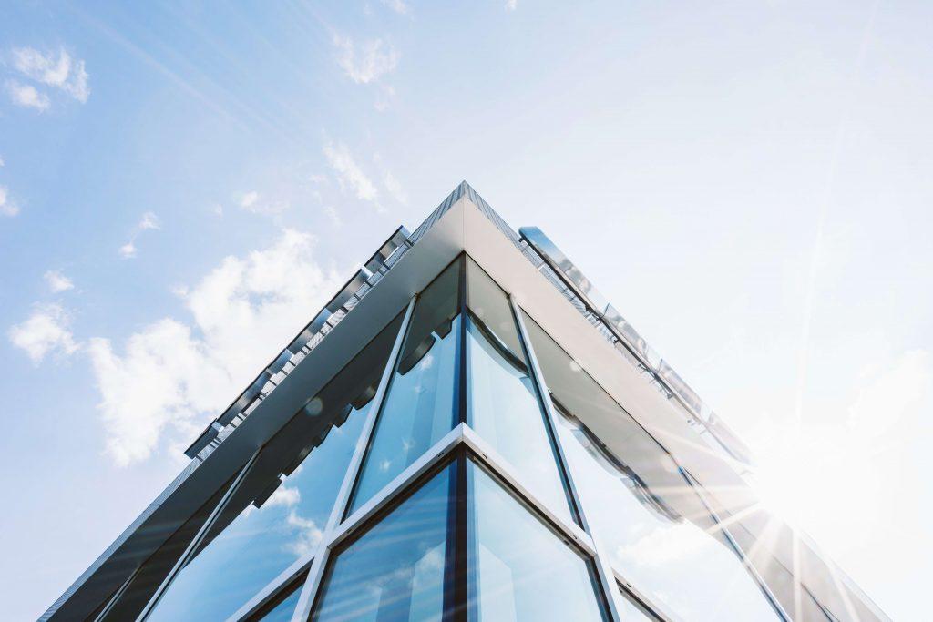 Imagen de un edificio de oficinas