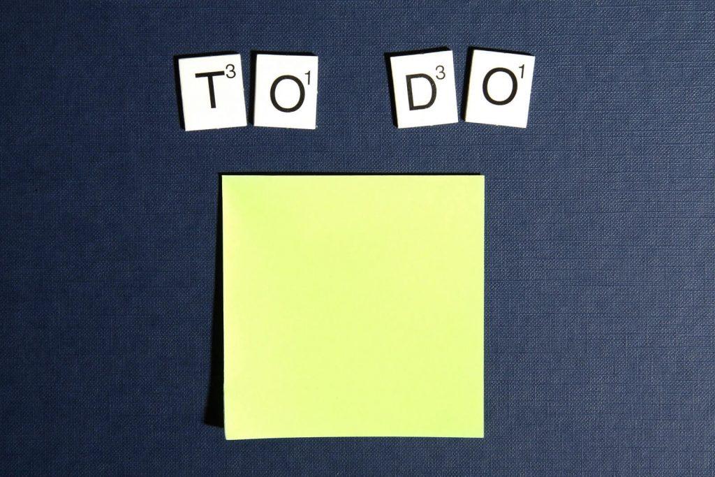 Imagen de post-its de tareas para hacer