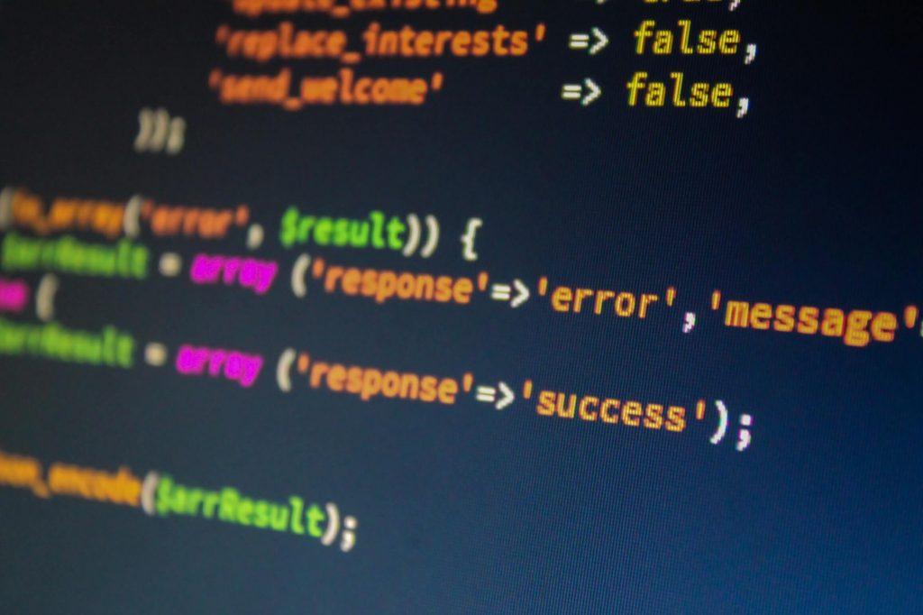 Código escrito en un entorno de desarrollo